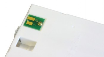 JV3 chip by SolventCartridges is attached to the side of Mimaki OEM cartridge